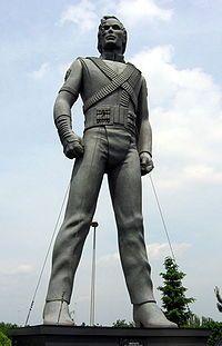 La statua di MJ- History all'Aquafan di RiccioneLa statua di MJ- History all'Aquafan di Riccione