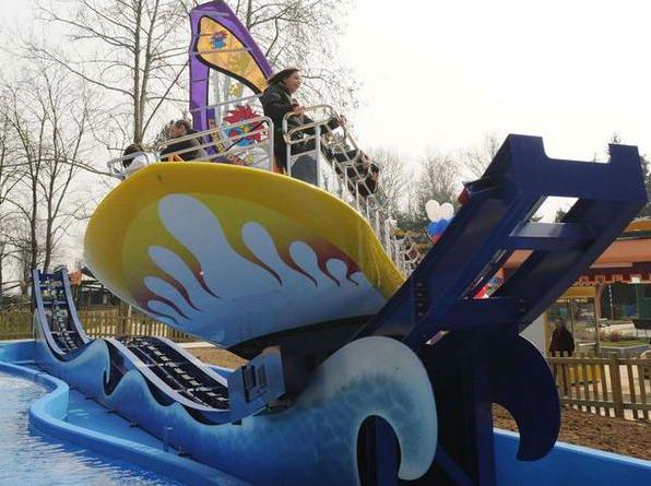 Surf'Up attrazione unica nel suo genere a Minitalia